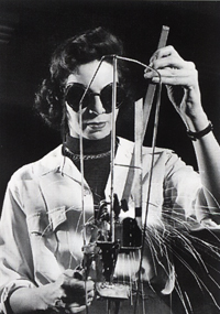 Lin Emery welding at the New York Sculpture Centre in 1954