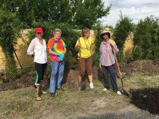 peace_river_botanical_volunteer_fun1